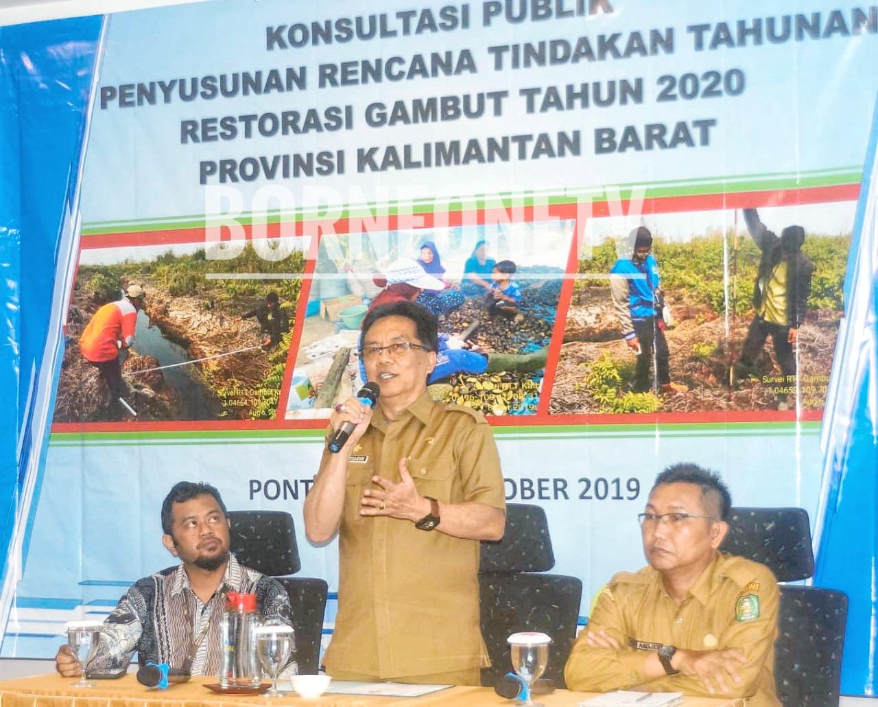 Sekda Kalbar AL Leysandri saat pembukaan Konsultasi Publik Rencana Tindakan Tahunan 2020 Provinsi Kalbar, di hotel Ibis Pontianak (14/20/2019). Foto: BorneOneTV/Lay